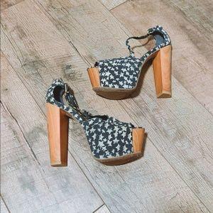Jessica Simpson Heels 🇺🇸💙